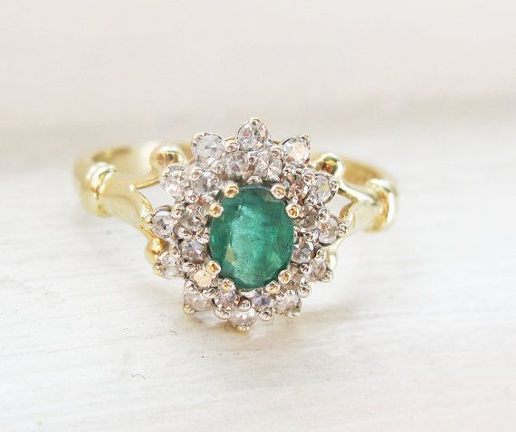 Vintage Emerald and Diamonds 9K Yellow Gold - 1956'S