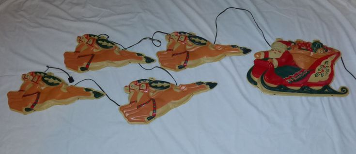 Old 1960s Celluloid Santa Claus Sleigh 8 Reindeer Xmas Light Up Wall Decoration