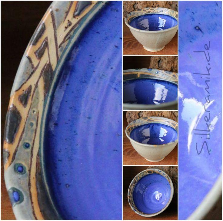 Kleine blaue Steinzeug-Schale mit Intarsien
