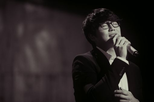 Sung Si Kyung to hold a special concert for couples titled 'The Wedding Banquet' #allkpop