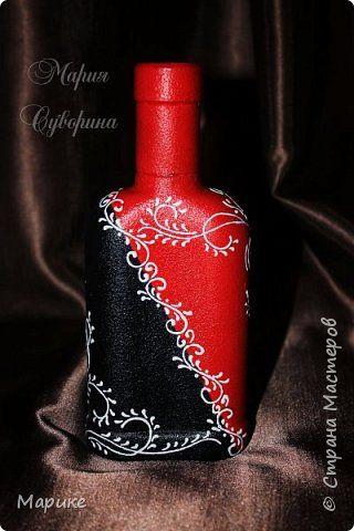Доброго времени суток, мастера и мастерицы! В продолжении темы черно-бело-красная мания делюсь ещё несколькими своими работами. Эта бутылочка используется сейчас в качестве вазы. фото 4