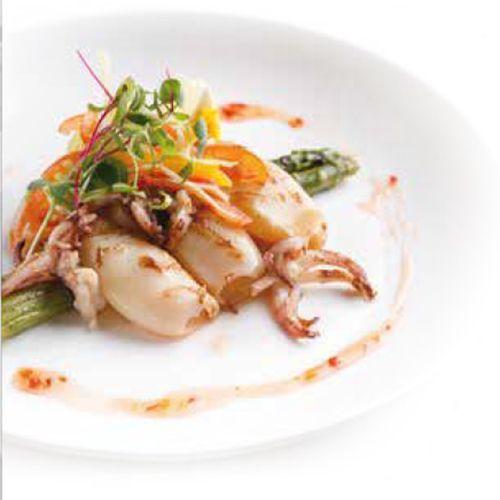 Scopri qual'è la #ricetta di questa #settimana realizzata dalla Chef Michela Mandolesi Se vuoi seguirne la #preparazione ti aspettiamo Martedi sera :-)   http://www.cucinaincasa.com/novita/calamaro-morbido-come-burro-mandorle-tostate-e-zanzero/2016/5902 #villamontesiro #fratelli_villamontesiro #villa_casalinghi #ul_piatè_de_munt