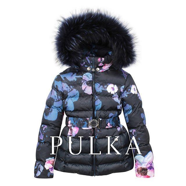 Теплая куртка для девочки из новой коллекции  #PULKA, размерный ряд 128-164.  В этом году в коллекцию авторских принтов добавлен новый цветочный орнамент. Главная тема коллекции для девочек – «Цветочный зимний сад» – используется в узорах тканей и поддержана оригинальными прострочками.  Новая коллекция бренда уже доступна в магазинах #SilverSpoon #LapinHouse #KidsRocks #Pollichini  Посмотреть ближайший к вам магазин: http://pulka-kids.ru/store ❄❄❄❄ #готовимсякзиме #детскиепуховики…