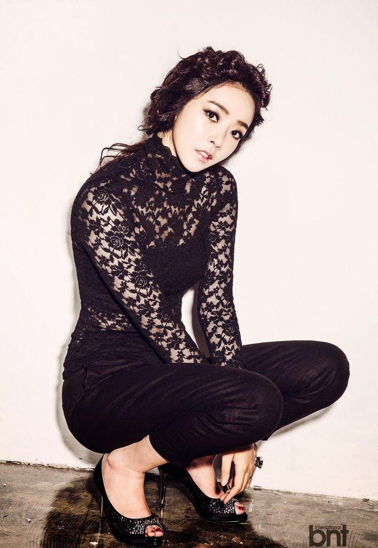 Black Lace Top Fashion of Bae Seul Gi