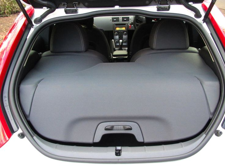 8a9c81c706b59e470b46e5de8380c951 luggage cover volvo c 68 best car volvo images on pinterest volvo cars, volvo c30 and car  at soozxer.org