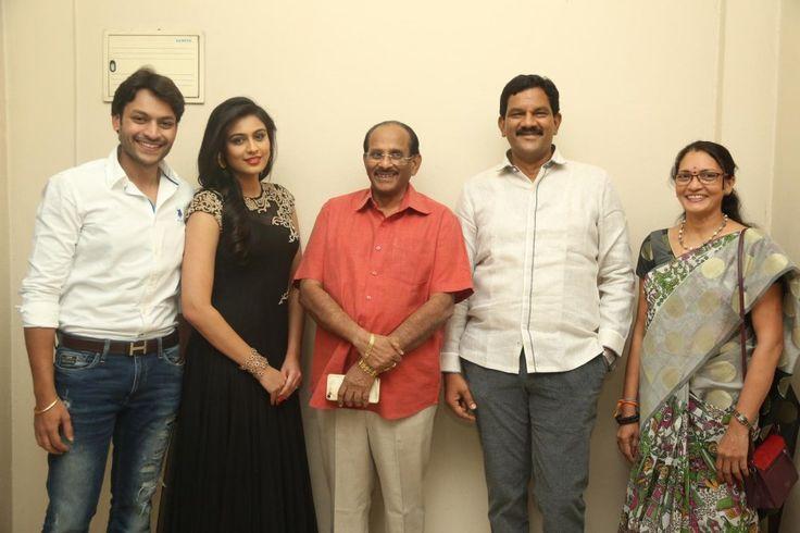 Vijayendra Prasad's Valli movie first look launch