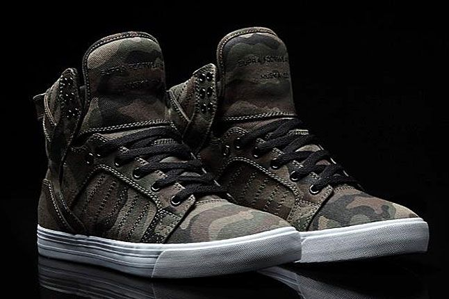 SUPRA CAMO SKYTOP (ZUMIEZ EXCLUSIVE) The Supra Skytop gets set for action  with this new camo-clad Zumiez exclusive. After a few seasons in th… bc69894d7836