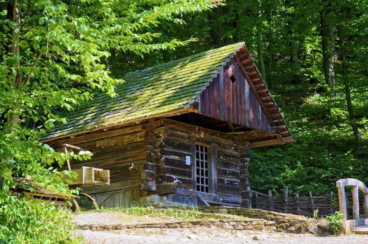 Líbilo by se Vám strávit víkend v takovém… http://www.drevostavitel.cz/clanek/drevene-chaty-a-chalupy-postavene-na-krasnych-mistech/2736