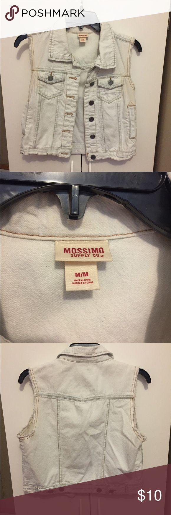 White denim vest Mossimo white denim vest, in perfect condition Mossimo Supply Co Jackets & Coats Vests
