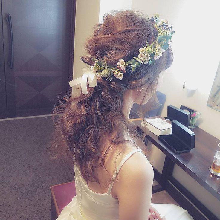 いいね!239件、コメント5件 ― sachiko shigaさん(@s.s.k_1025)のInstagramアカウント: 「ナチュラル花冠(*˘︶˘*).。.:* 素敵な大好きなご夫婦に♡  Happy wedding( ⁎ᵕᴗᵕ⁎ )  #ブライダル #熊本 #ヘアアレンジ #熊本ヘアセット #osumiブライダル…」