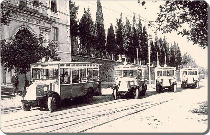 Fransa'dan satın alınan 4 adet Renault-Scania marka arkası balkonlu otobüsler Mecidiyeköy yolunda - 1926