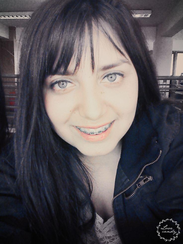 tener tus ojos debe ser ilegal.. ♥