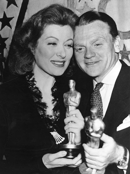 """1942 GREER GARSON  Best actress Oscar winner for the movie """"Mrs. Miniver"""".  Here with James Cagney also Oscar winner, Best Actor that year."""