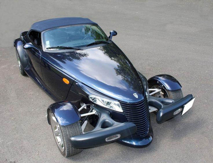 """Le CHRYSLER Prowler est une automobile de style """"rétro"""" construite en 1997 et entre 1999-2002. Le Prowler était basé sur le concept-car du même nom, présenté en 1993. Le Prowler est une interprétation… - Le Calvez & Associés - 06/06/2015"""