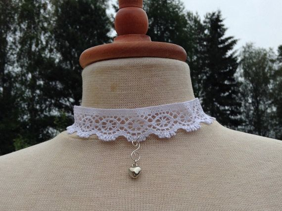 Simply beautiful white lace handmade necklace with a by leonorafi