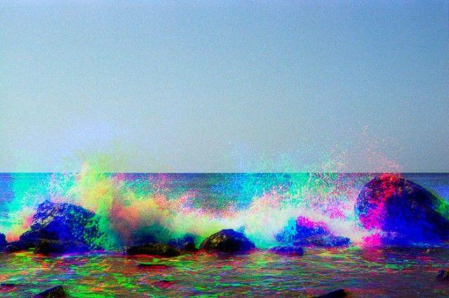 As psicodélicas e coloridas fotografias do mar de Adam Ferriss