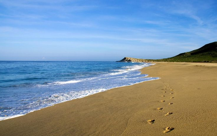 PRANA DEL MAR: MEXICO RETREAT CENTRE Deluxe, beachfront retreat center specializing in yoga retreats and yoga vacations.    Available Year Round
