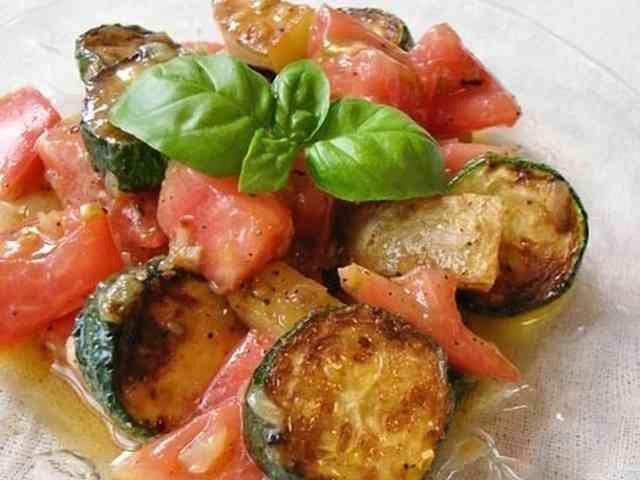 グリルズッキーニとトマトのマリネサラダの画像