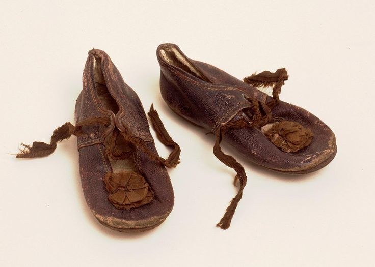 Present and past family life: Whose shoes?