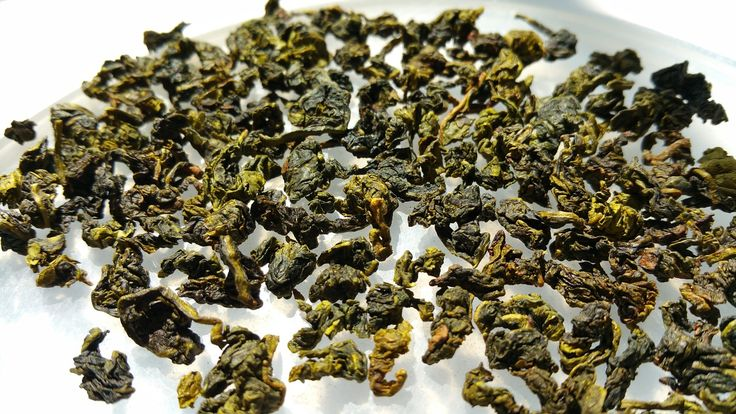Oolong tea is a tasteful and delicious tea, which is used for sharpening thinking and mind skills, in addition to improving mental alertness. These all in addition to preventing cancer, tooth decaying, osteoporosis and heart diseases. It is very helpful as it contains antioxidants, catechin and caffeine which fight radicals. It can be used for numerous healing properties and it is available in markets.
