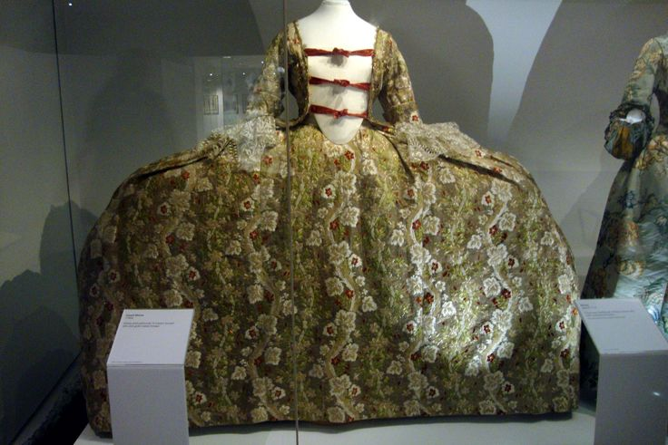 Court uniform and dress in the United Kingdom - Wikipedia, the ...