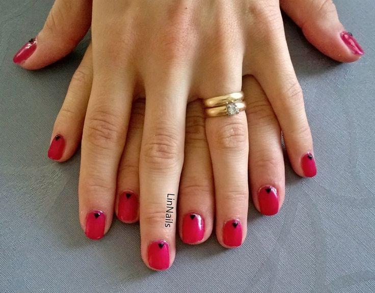 Todays gel manicure. Delicious Raspberry wine #sensationail yummy :P Herkullinen geelilakkaus jossa höysteenä mustat niitit. <3