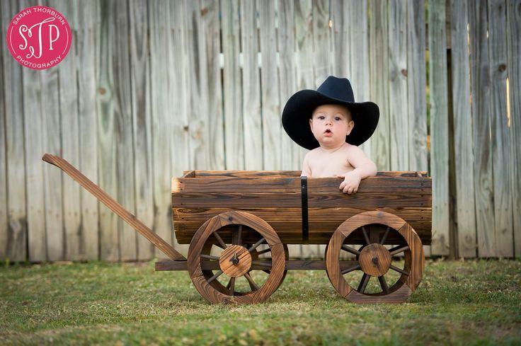 More cowboy hats
