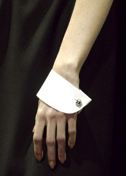 White Cuff - runway details; minimal chic style; close up fashion details // Viktor Rolf
