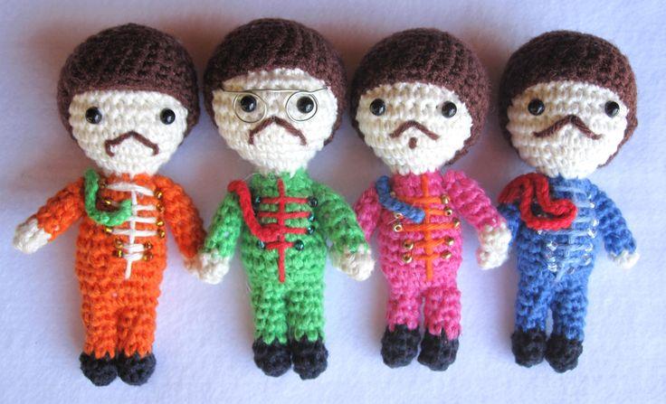 Crochet Beatles: Peppers Dolls, Cute Crochet, Crochet Stuff, Crochet Toys, Crochet Sgt, Knitting Crochet, Crochet Amigurumi, Crochet Beatles