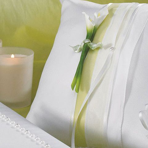 Bridal Beauty Calla Lily Square Ring Pillow