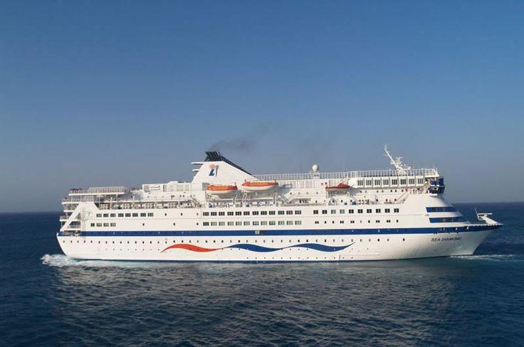 Transporte de personas y mercancías por vía marina