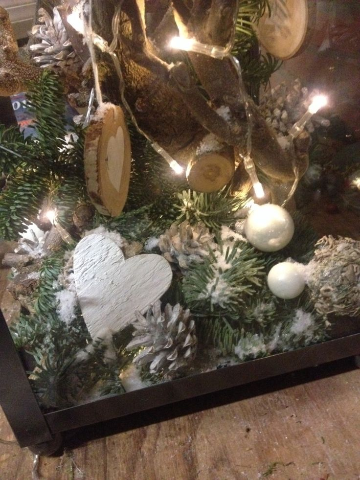 christmas in a lantern with white decoration witte kerst in een lantaarn