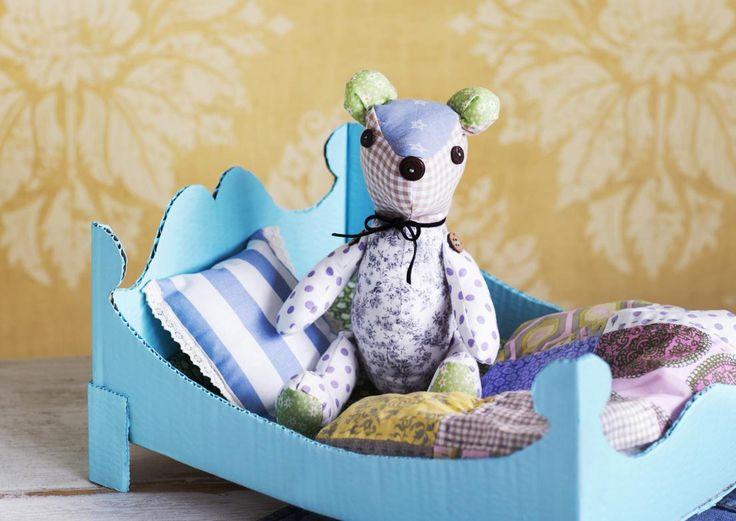 Ompele nalle lapselle. Katso ohje ja kaava. Diy teddy with pattern. | Unelmien Talo&Koti Toimittaja: Hanna Sandström Kuva: Satu Nyström