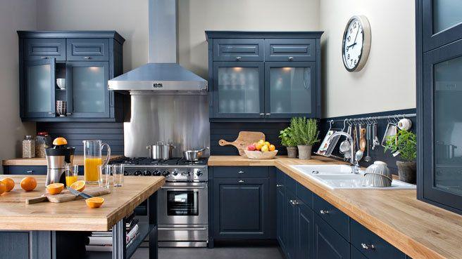 Si vous voulez rénover votre cuisine et que vous vous demandez quelle couleur se marierait le mieux avec une crédence inox, nous allons essayer de vous montrer par des exemples que l'inox se marie ...