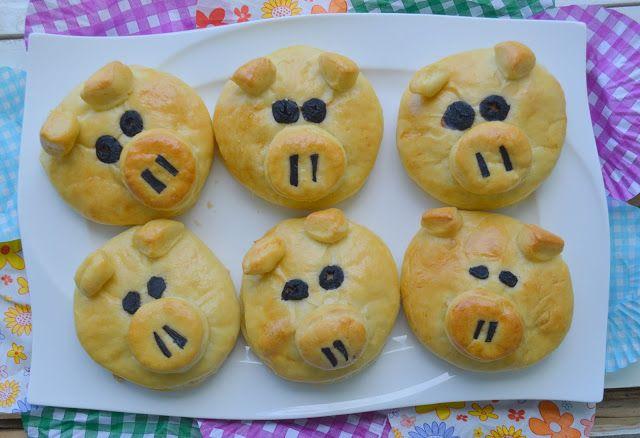 Pe masa din bucatarie: Chifle purceluși