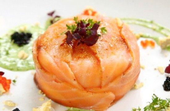 Рецепты салатов из солёной сёмги и форели