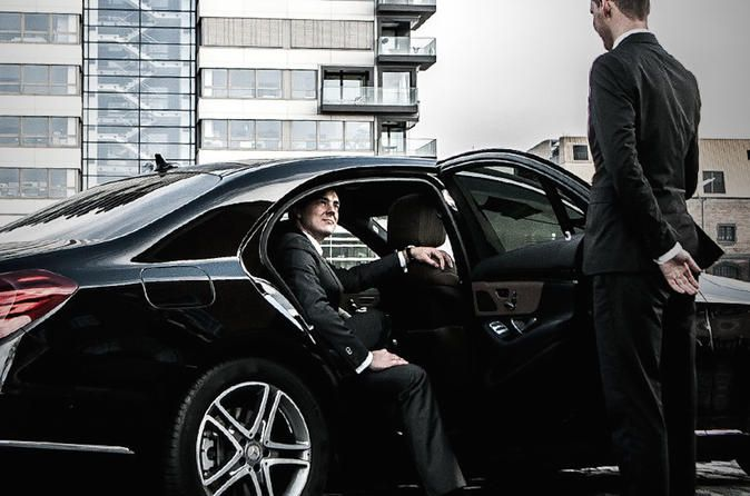Enjoy Journey In Style Hire Hourly Basis Drivers Online In 2020 Luxury Car Hire Chauffeur Service Driver Online