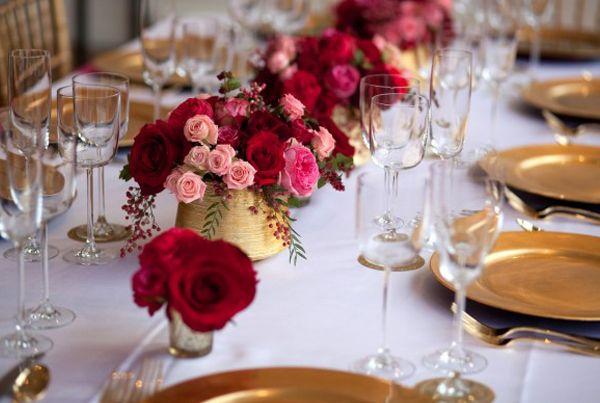 Noivado: Vermelho, pink e dourado - Constance Zahn | Casamentos