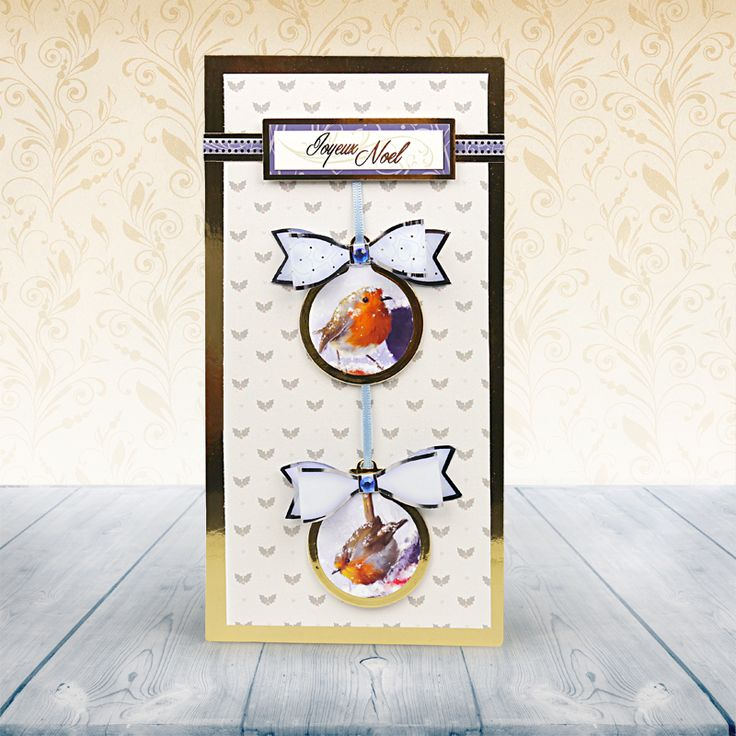 This card just screams Christmas.  The baubles are so clever!