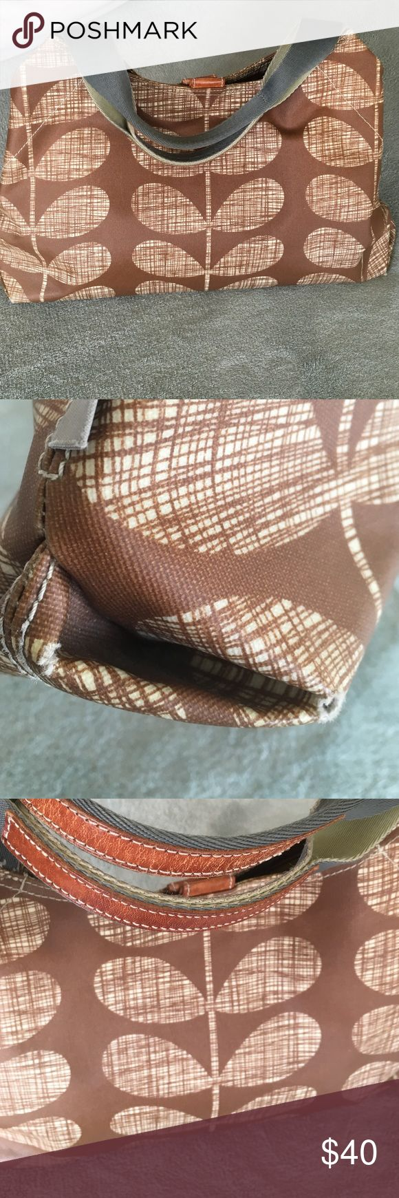 Orla Kiely Bag So pretty for Spring 🌞 measuring 16x10 with approx 7 inch drop, Lovely tree pattern, Canvas & leather handle- leather magnetic closure, attached key fob, minimal wear on inside, Bag body in good condition BUT all 4 corners are showing some wear & splits as shown in photo- Great way to try out luxury brand / very open to offers! Orla Keily Bags