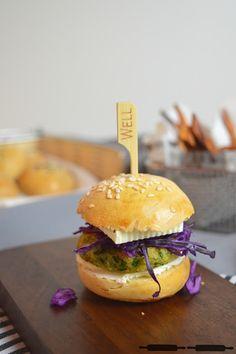 ABOUT VERENA : Mini Burger Buns mit Falafel Patties / Mini Burgers with vegan Falafel Patties