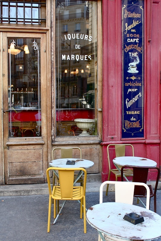 黄色の椅子があなたを待ってます!