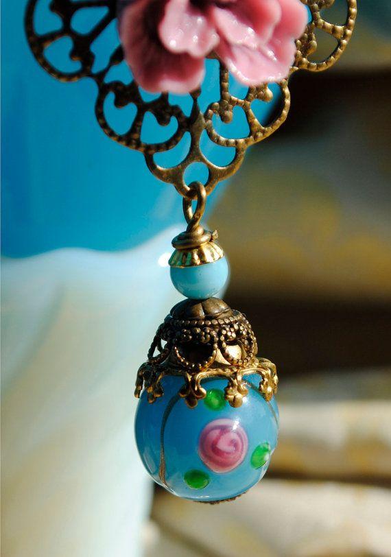 Hoi! Ik heb een geweldige listing op Etsy gevonden: https://www.etsy.com/nl/listing/82311704/sale-marzipan-pink-and-sky-blue-necklace