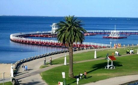 Geelong; Eastern Beach.