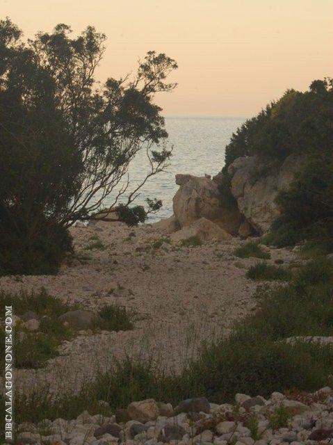 beach, Sardegna (Sardinia) http://www.bbcalagonone.com - bed & breakfast, hotel, apartment, room, hostel, camping, tourist info, reservations in Sardinia - Cala Gonone