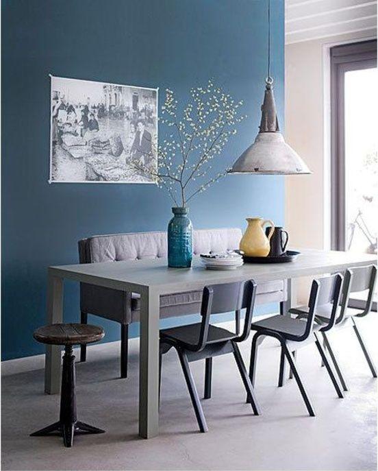 Une salle à manger bleue