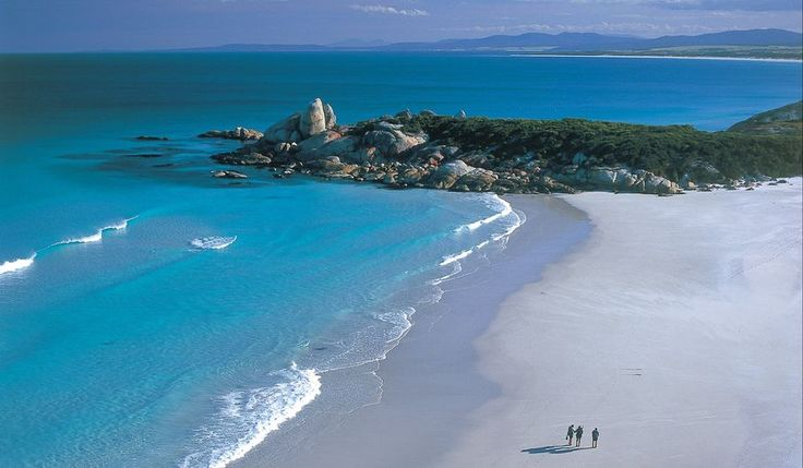 Hike the pristine Bay of Fires and and sleep in comfort at night on the Lodge 4 Day Guided Walk, Tasmania