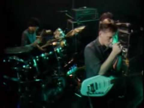 New Order - Everything's Gone Green, 1981. One of my favorite NO songs.