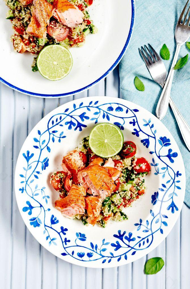 Salaateissa kannattaa käyttää ulkomaista kvinoaa, sillä se ei puuroudu yhtä helposti kuin kotimainen kvinoa.