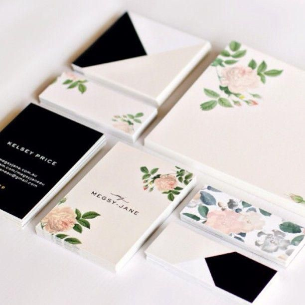 These fantasy florals by #megsyjane are making the perfect accessory out of our #MOOcards